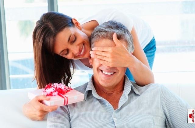 Почему женщины любят получать подарки
