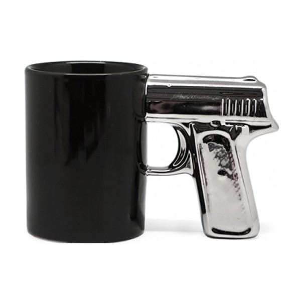 kruzhka-pistolets-serebristoy-ruchkoy